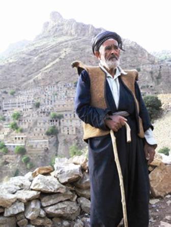 Et Traditions Kurdes La L'artisanat Les De Revue Regard Sur rCedxBo